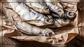 Как лучше хранить вяленую рыбу дома